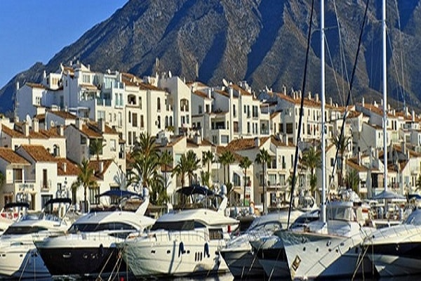 Puerto Banus and its Waterfront Restaurants in Marbella